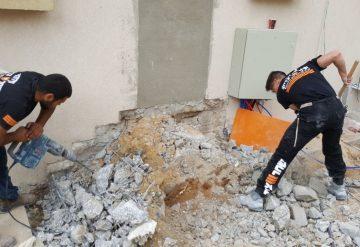 עובדי חברת שחר צדיק בפינוי פסולת לאחר עבודה