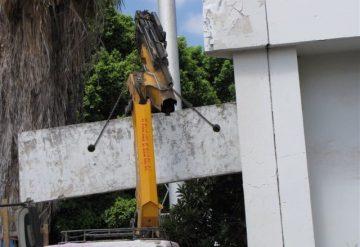 הרמה של יחידת בטון לאחר עבודות ניסור על ידי חברת שחר צדיק