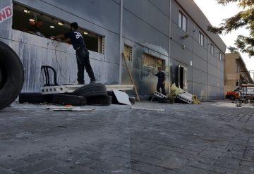 ניסור פתחים בקיר בטון במרכז מסחרי