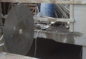 מסור ענק לניסור בטון