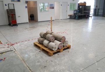 יחידות בטון שהוצאו מרצפת בטון לאחר עבודת קידוח